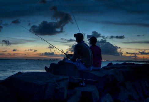 夏季白天及夜晚各个时间段钓鱼的要点分析