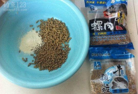 颗粒鱼饵钓鲤鱼的使用配方