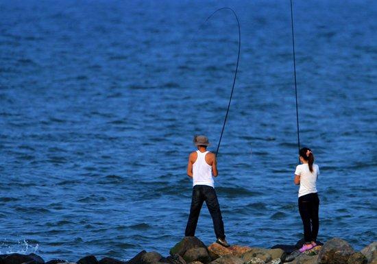 野钓鲫鱼钓组、浮漂、钓位与窝料的选择
