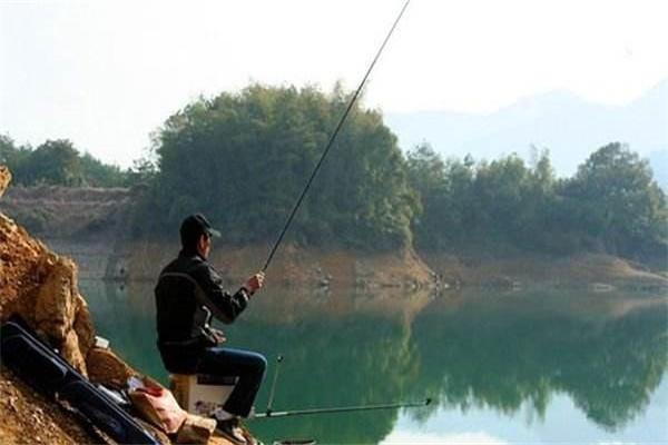 懒人必备钓鱼小技巧 轻松爆护无压力