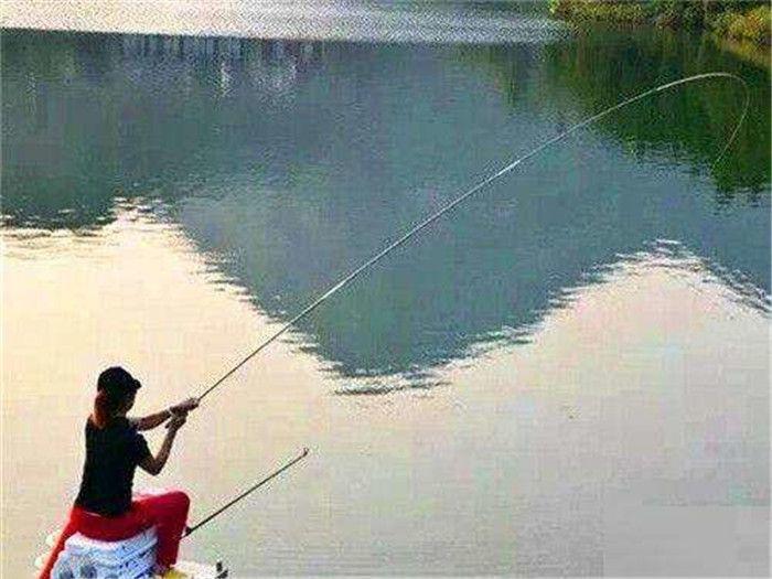 冬季手竿钓鱼方法,传统钓法解析