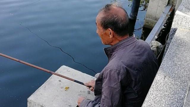 学会这几个钓鲈鱼技巧,每次出钓让你从不空手