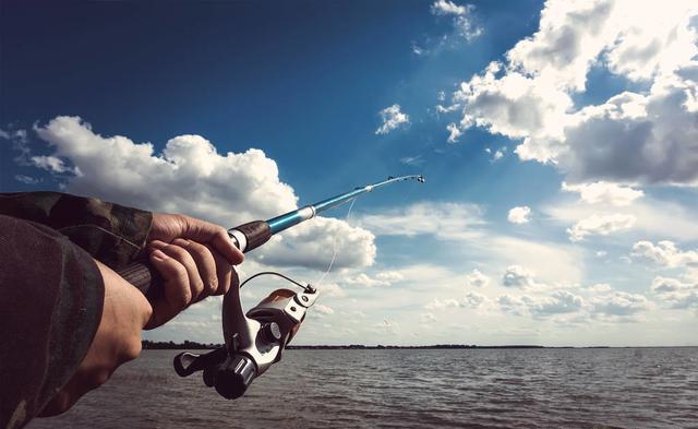 湖库中打抛竿应该如何选鱼钩