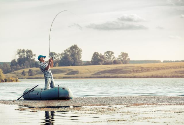 遛鱼因素有很多,不仅是鱼竿腰力好,人为技巧更重要