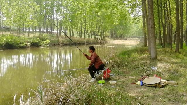 不熟悉的水域,记住几点,不难钓到鱼