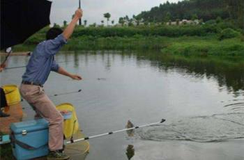台钓调漂中如何精确地找底?