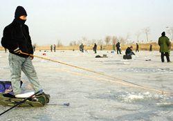 冬天天冷野外钓鱼灵活应对的技巧