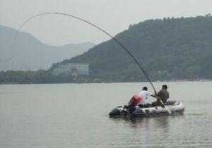 深秋季节垂钓大青鱼的技巧