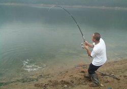 野外湖库钓鱼实战经验分享