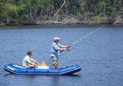 水库深水区行船使用手竿垂钓的相关技巧