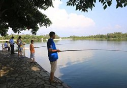 秋季水库钓鱼钓边与钓近的四大要点