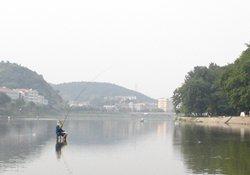 秋季水库钓鱼找钓点的方法与钓青鱼的技巧