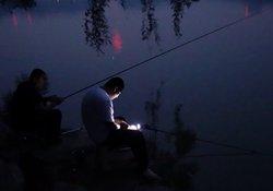 夏季夜钓时间地点与钓具的选择浅谈